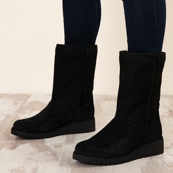 b1fa5311d6e0 UGG Amie - Classic Slim Water Resistant Short Boot.  M 5bd3d17a12cd4a671eca1ec9